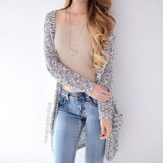 Find images and videos about girl, fashion and style on We Heart It - the app to get lost in what you love. Crop Top Outfits, Hot Outfits, Simple Outfits, Spring Outfits, Trendy Outfits, Cute Fashion, Girl Fashion, Fashion Outfits, Womens Fashion