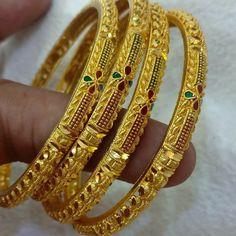 Gold Chain Design, Gold Bangles Design, Gold Earrings Designs, Gold Jewellery Design, Gold Designs, Gold Wedding Jewelry, Gold Jewelry Simple, Gold Bangles For Women, Solid Gold Bangle