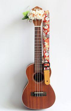 Etsy のUkulele strap & ribbon lei / kimono red/ ukulele strap / japanese…