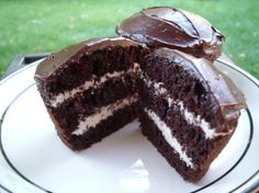 Ho Ho Cake - This is like a giant Hostess Ho Ho. The creme filling is the key here I think. Sweet Recipes, Cake Recipes, Dessert Recipes, Dessert Food, Dessert Ideas, Bread Recipes, Cake Ideas, Just Desserts, Delicious Desserts
