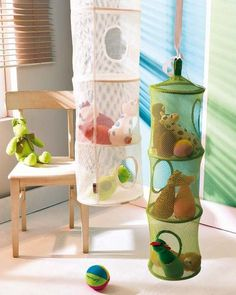 Toy storage ideas living room for small spaces. Learn how to organize toys in a small space, living room toy storage furniture, and DIY toy storage ideas. Living Room Toy Storage, Soft Toy Storage, Creative Toy Storage, Small Space Storage, Kids Storage, Storage Design, Storage Hacks, Shelf Design, Storage Ideas