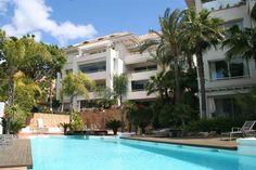 Marbella Direct - Modern Apartment On The Golden Mile, Marbella  http://www.marbelladirect.com/en/property/id/642029-moden-apartment-golden-mile-marbella