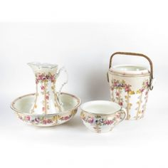 English wash set c. 1890s... scarce to find one so complete! #antiques #washset #ceramics #English #porcelain #Victorian #decor #homedecor #washbasin