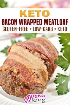 What could possibly be better than keto meatloaf? Keto BACON wrapped meatloaf! Get ready to have your mind blown (and taste buds)! Growing up, meatloaf was a staple dinner in my house. My mom made the most basic, yet delicious, meatloaf around! I would drown the poor thing in ketchup and gobble it all up! | Trina Krug @trinakrug #ketomeatloafrecipes #ketobaconwrapedmeatloaf #ketocomfortfoodrecipes #ketodinnerrecipes #ketofamilydinner #ketowinterrecipes #ketofallrecipes #trinakrug No Carb Recipes, Ketogenic Recipes, Vegan Recipes, Bacon Recipes, Ketogenic Diet, Yummy Recipes, Diet Dinner Recipes, Gluten Free Recipes For Dinner, Keto Dinner