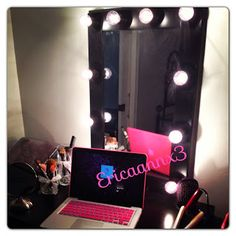 Beauty, Fashion & Lifestyle Blog: DIY Lighted Makeup Mirror (Broadway style) Vanity