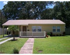 Charming newly renovated 2/1 home.   808 W PENINSULAR ST  TAMPA, FLORIDA