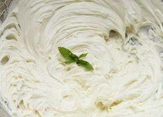 Crema de ciocolata alba (Ganache) - Desert De Casa - Mara Popa