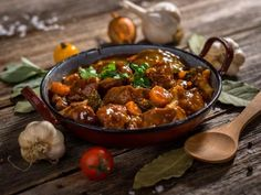 This recipe for slow cooker beef stew is super simple and convenient. It's comfort food perfect to enjoy during cold Winter nights. Healthy Soup Recipes, Vegetable Recipes, Pasta Recipes, Vegetable Stew, Steak Recipes, Eat Healthy, Comfort Foods, Venison Stew, Slow Cooker Beef