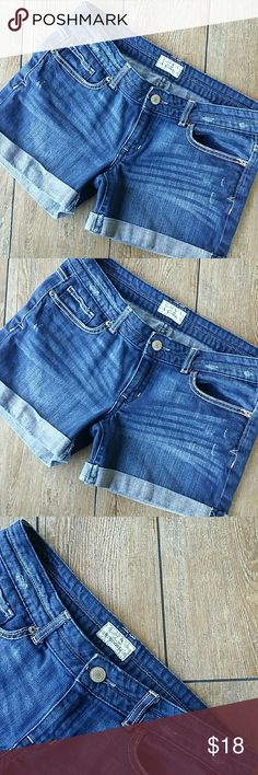 """🆕LIST AERO CUFFED JEAN SHORT Dark rinse  Distressed by design Cuffed at hem Button/zip close 15.75"""" across top of waist 4.25"""" inseam Size states 5/6 measurements are above No rips or stains Smoke free home Aeropostale Shorts Jean Shorts"""