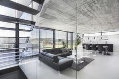 Einfamilienhaus im Filstal : Moderne Wohnzimmer von Schiller Architektur BDA