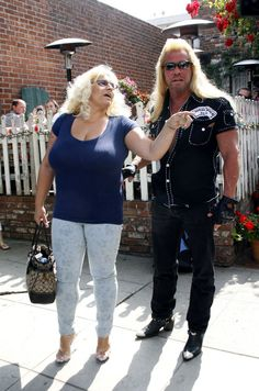 Beth Chapman Photos - Duane Chapman (aka Dog the Bounty Hunter) and his wife Beth Chapman keep their no nonsense attitudes as they depart after dining at the Ivy. - Duane and Beth Chapman at The Ivy in LA Beth The Bounty Hunter, Hunter Dog, Heartland Tv Show, Bates Family, Bikini Images, Gorgeous Women, Actresses, Dogs, Ivy