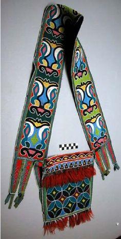 Bandolier bag, perhaps Shawnee or Miami Peabody Harvard ac Native American Artifacts, Native American Beadwork, Delaware Indians, Indian Beadwork, Horse Gear, Bead Loom Patterns, American Indian Art, Shawnee, Indigenous Art