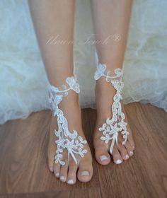 Beach weddings are a great accessory for The ideal design for your wedding photos You can fit every foot. Beach weddings are a great accessory for. Unusual and unique product Lace barefoot. For the bride, the ideal accessory for your wedding a nice gift for bridesmaid.  Size You can fit every foot. SHIPPING Sent as beautifully packaged. The item is READY to ship. Estimated delivery time is 15-20 days. This time, sometimes due to customs inspections may take.  Please contact me any problems…