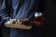Cheeses with Lura, the Finnish-Italian beer on due fili d'erba   two blades of grass   photo by thaisfk