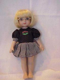 """Tonner Ann Estelle 10"""" Black and White Dress has Pleated Skirt"""