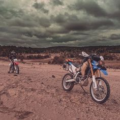 Dodging Rain Drops ⛈ with @rb_photog #wlfenduro #whatsyour20 #dualsportlife #dualsport #enduro #brap #adventure #storm #xladv #yamaha #honda #crf250l #wr250r #storm #stormclouds #wander #wanderlust #explore #adventure #motorcycle