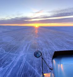 Breathtaking sunsets on the Tibbett to Contwoyto ice road. Thanks to trucker Julien for sharing the photo. Big Rig Trucks, Old Trucks, Semi Trucks, Lisa Kelly, Side Road, Truck Art, Heavy Truck, Great Pictures, Heavy Equipment