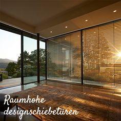 Ein neuer zusätzlicher Wohnraum mit viel Glas. Sonnenschutz spielt bei so viel Glas eine wichtige Rolle deshalb bieten wir innen und außen Beschattungen an. Divider, Room, Design, Furniture, Home Decor, Modern Conservatory, Slider Window, Solar Shades, Bedroom