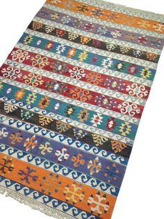 22 meilleures images du tableau tapis kilim ethnique. Black Bedroom Furniture Sets. Home Design Ideas