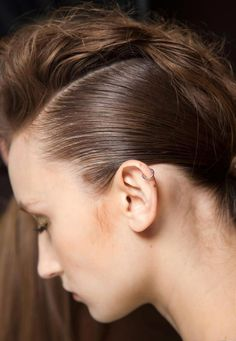 How to: smooth vs textured hairstyle - Fashionising.com
