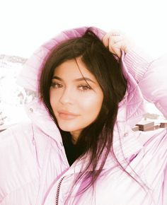 Image about pink in Kylie Jenner by Q on We Heart It Ropa Kylie Jenner, Trajes Kylie Jenner, Looks Kylie Jenner, Kylie Jenner Outfits, Kylie Jenner Style, Kendall And Kylie Jenner, Kourtney Kardashian, Kardashian Jenner, Moncler
