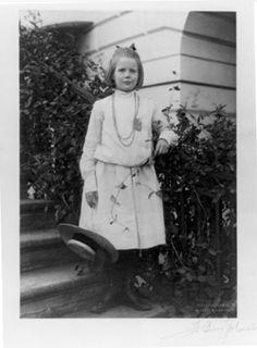 Frances Benjamin Johnston, Ethel Roosevelt at the White House, Washington, DC, Fall 1901.