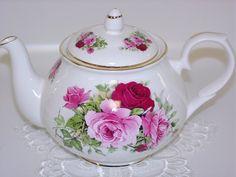 SummerTime Rose Tea Pot, Made In England