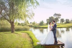Elegant Watercolour Oxbow Estate Wedding by Howling Moon Photography {Annine & Pieter} | SouthBound Bride