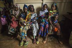 Bambini in fuga dalle violenze della Repubblica Centrafricana (foto: © Frédéric Noy / Cosmos per HCR)