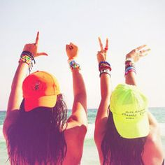 best friends in summer Pink Summer, Summer Of Love, Summer Vibes, Summer Things, Hello Summer, Summer Breeze, Summer Beach, How To Pose For Pictures, Beach Pictures