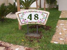 Numeral em mosaico, tema flores.