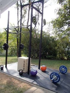 Outdoor CrossFit Gym This would be great to have, but I would miss all my CF buddies! Shuck Shuck Murray Bernd Dejarnett - Tap the pin if you love super heroes too! you will LOVE these super hero fitness shirts! Cage Crossfit, Crossfit Garage Gym, Crossfit Equipment, Home Gym Garage, Crossfit At Home, No Equipment Workout, Rogue Gym Equipment, Crossfit Memes, Outdoor Gym