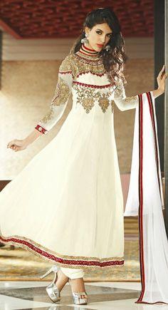 Get it at Amani www.facebook.com/2amani #Pakistani clothing #pakistani fashion #pakistani wedding