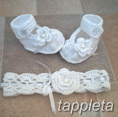 Hey, I found this really awesome Etsy listing at https://www.etsy.com/listing/221483594/set-headband-and-booties-for-girl-0-12