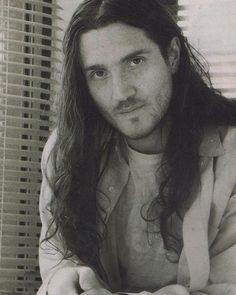 """235 Me gusta, 23 comentarios - RED HOT CHILI PEPPERS WORLD (@redhotchilipeppersworld) en Instagram: """"What is your favorite John song? P.S This is my favorite picture of John.  #johnfrusciante…"""""""