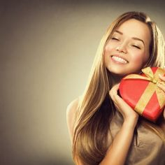 The Ultimate Valentine's Day Gift Guide-WeLoveDates Beauty Salon Names, Beauty Salon Logo, Dating Blog, Dating Advice, Super Healthy Recipes, Event Management, Female Portrait, Online Gifts, Beauty Photography
