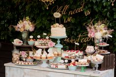 Masterchef Approved Ways Of Serving Food At Your Wedding! Hurts Donuts, Vintage Dessert Tables, Delicious Catering, Pastel Cakes, Iced Sugar Cookies, Cookie Flavors, Drop Cookies, Paper Cake, Ice Cream Flavors