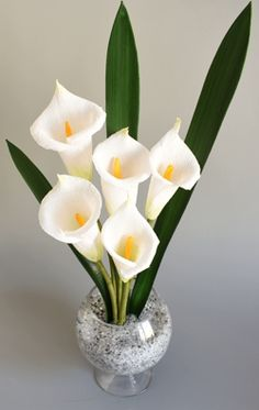 Calla Lily Arrangement. #handmade crepe paper flowers. The Flower and Craft Boutique. www.flower-craft.com