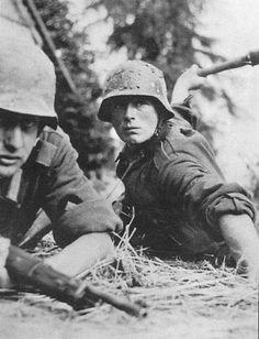 WWII German Soldier Throwing Hand Grenade on Russo-German Front Orig Press Photo