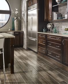 Add warmth and character, patina and beauty with Palmetto! This gorgeous series offers an intricately natural wood look in 6x36 porcelain planks.