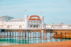 17 Beautiful Places In The South Of England To Visit Brighton England, Brighton And Hove, Brighton Sussex, Brighton Photography, Travel Photography, Photography Ideas, Long Weekend Breaks, Places In England, Seaside Towns