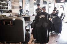 Napoles Barber Shop -Promoción este miércoles recibe un 2o% de descuento en todos nuestros servicios . Citas (81) 9627 3009  #promociones #barbershop #barberia #Masterbarber #haircuts #hairstyle #fashion #groomingproducts #clasic #clasico #rayados #tigres #sanpedro #nuevoleon #regiomontano by napolesmx