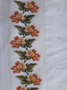 Cross Stitch Rose, Cross Stitch Flowers, Cross Stitch Embroidery, Towel Crafts, Embroidered Clothes, Piercings, Floral Tie, Sewing Patterns, Crochet