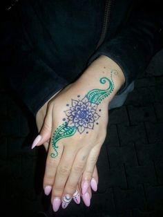 Henna & pink nails