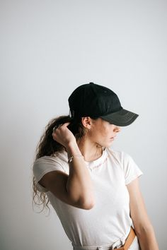 How to wear a Gigi Pip ballcap this summer. Newsboy Cap, Outfits With Hats, Caps For Women, Bad Hair Day, New Woman, Baseball Cap, Classy, Clothes For Women, Summer
