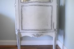 Cabinet French Style