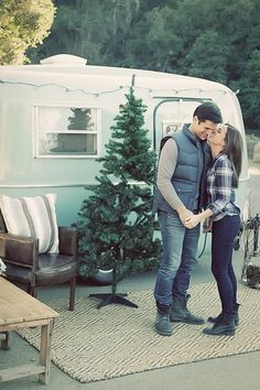 Cosy Christmas Engagement Shoot In A Retro Camper Van   Valorie Darling Photography