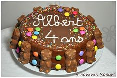 Birthday cake for children with chocolate and sweets Cake Designs For Kids, Cool Cake Designs, Candy Birthday Cakes, Big Chocolate, Chocolate Sweets, Chocolate Recipes, Gravity Cake, Food Cakes, Sweet Cakes