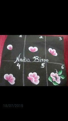 Pinceladas Uñas One Stroke, One Stroke Nails, Fabric Paint Designs, Face Painting Designs, Acrylic Painting Lessons, One Stroke Painting, Fabric Painting, Diy Painting, Hand Painted Fabric