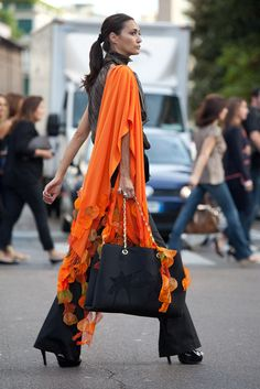 How to wear orange and black without looking like something outta halloween :o)